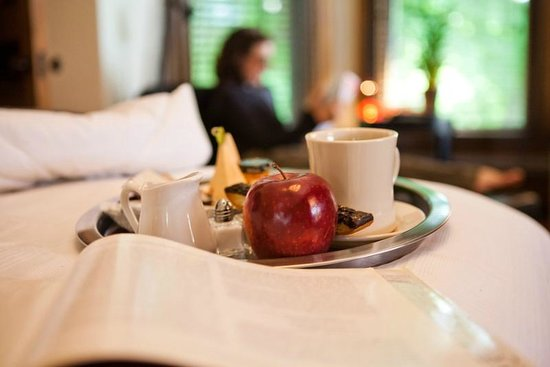 Made INN Vermont, an Urban-Chic Bed and Breakfast: Enchantingly picturesque. This elegant B&B sets exquisite standards for guest comforts & service
