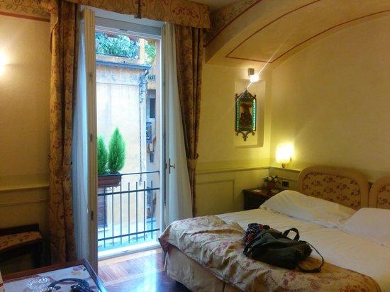 Art Hotel Commercianti: room