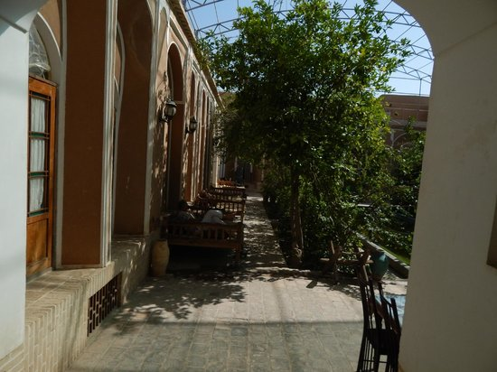 Traditional Kohan Hotel: courtyards