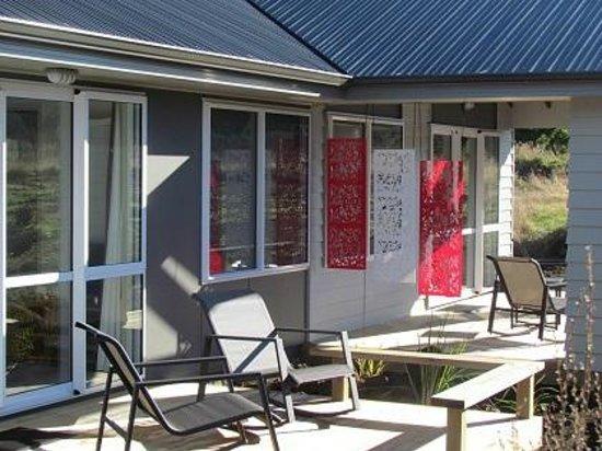 Tongariro Suites at The Rocks: Deck areas of the Whakapapa and Ruapehu Suites