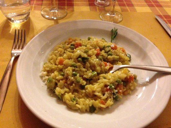 Fattoria Poggio Alloro: Fresh vegetable and saffron risotto
