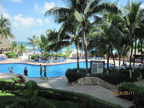 Casa Maya Cancun: Area de piscinas