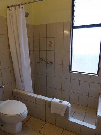 Adventure Inn : Shower