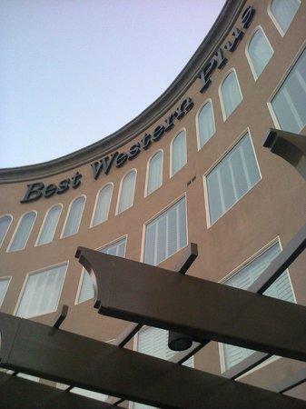 Best Western Plus Avita Suites: Fachada do Best Western Avita Suites, em Torrance, CA