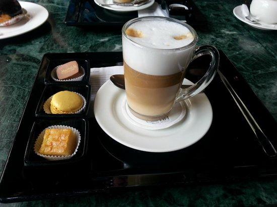 Cafe Late Bild Von Grand Cafe Mathilde Amsterdam Tripadvisor