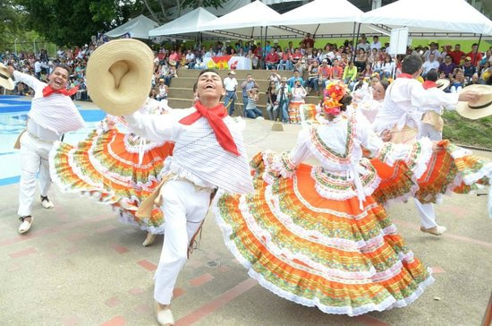 Tolima Department, Colombia: Festival foklorico colombiano