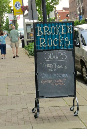 Broken Rocks Cafe & Bakery: Broken Rocks, a Touch of Class without Breaking the Bank