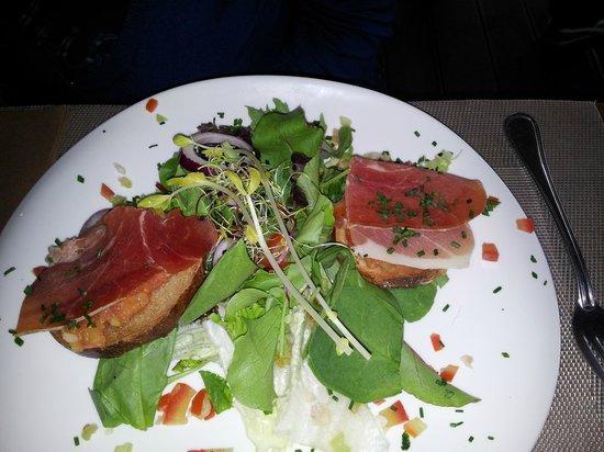 Restaurant La Caravelle: pan con tomate avec touche personnel