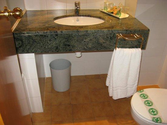 Hotel de l'Isard: Baño