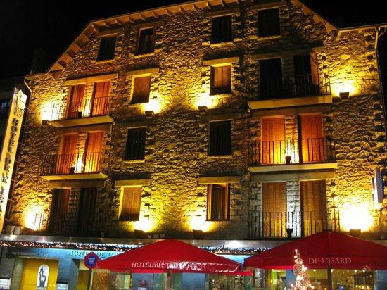 Hotel de l'Isard : Frente del hotel