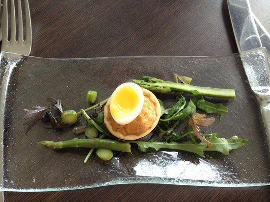 The Jetty : Amuse bouche of crab with quail egg