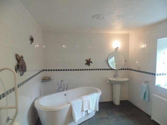 Cloudside Bed & Breakfast: Bathroom