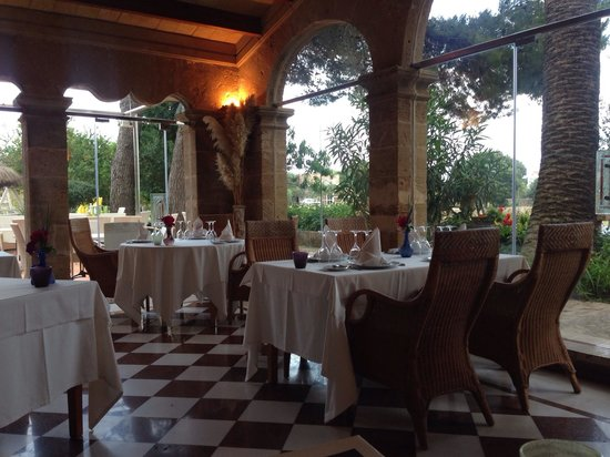 SA Romana: Restaurant interior. Simple, but well presented and great atmosphere.