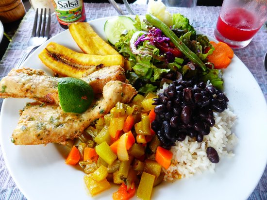 La Paloma Lodge: Lunch on the 1st day