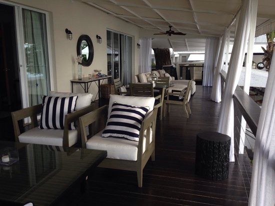 Lone Star Boutique Hotel: Cadillac Suite decking overlooking the beach....just stunning...