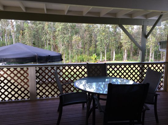 Keaau Place: Love the private deck!