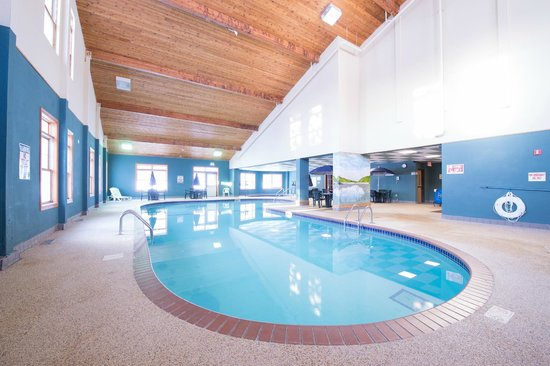 The Lodge at Giant's Ridge: Pool Area