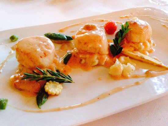 SA Romana: THE BEST scallops I've EVER had! No more to say, just try it! Quite filling for a starter, thoug