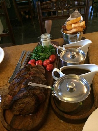 The Bugle Inn: Chateaubriand platter for two