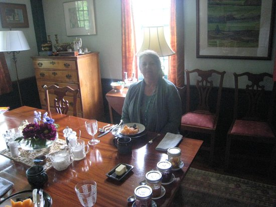 High Meadow Bed and Breakfast: Breakfast