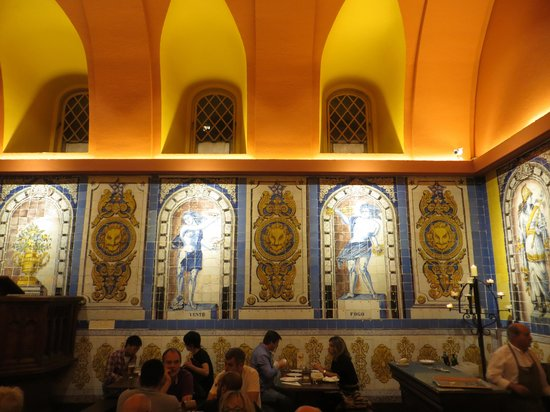 Cervejaria Trindade : The only thing worth coming to this restaurant for - to see the tiles