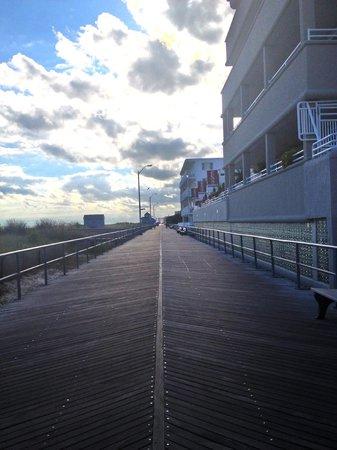 Carisbrooke Inn Bed and Breakfast: Boardwalk