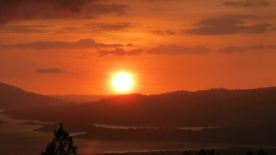 Arenal Observatory Lodge & Spa: Sunset from observation deck