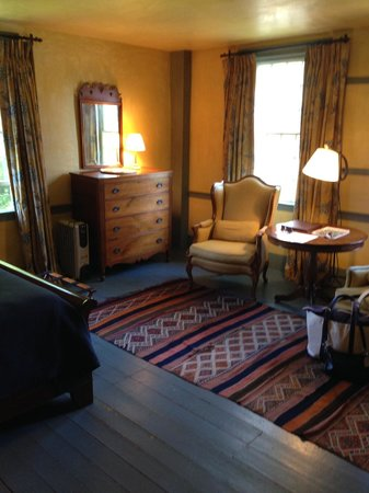 The Old Inn on the Green: Room 203