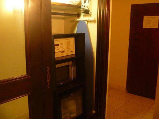Mayfair Hotel & Spa: Hall de entrada do quarto