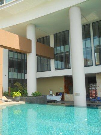 Sheraton Nha Trang Hotel and Spa: pool 2