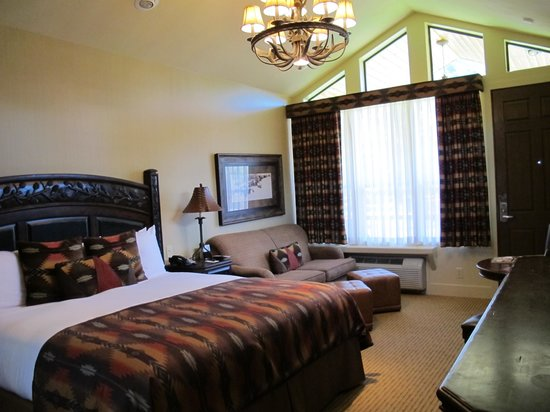 Rustic Inn Creekside Resort and Spa at Jackson Hole: Cabin 129 - Superior King Creekside Cabin