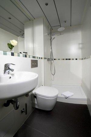 Hôtel Orchidée : Salle de Bain-Bathroom