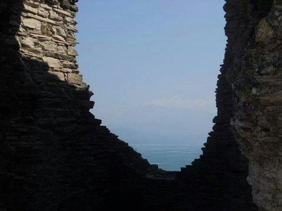 Grotte di Catullo : Grotte e lago