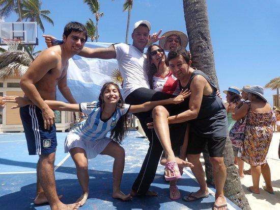 Paradisus Punta Cana Resort: Con Rafael, empleado del hotel