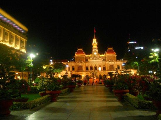 Dong Khoi Street: former city hall at night