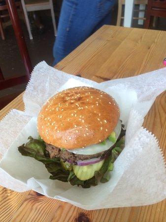 Tomales Deli & Cafe: Stemple Burger