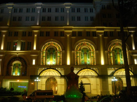 Dong Khoi Street: historical building at night