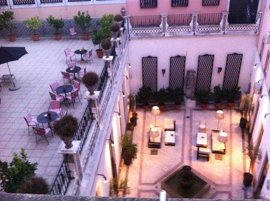 Hotel Infante Sagres : Vue de la chambre