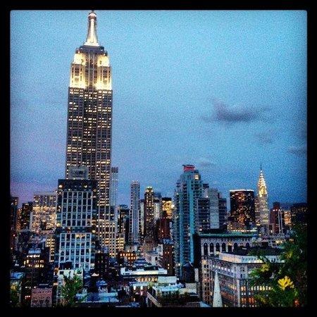 230 FIFTH ROOFTOP BAR NYC: Panorama magico