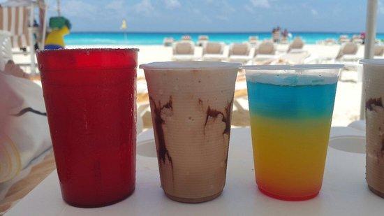 Crown Paradise Club Cancun : Tragos