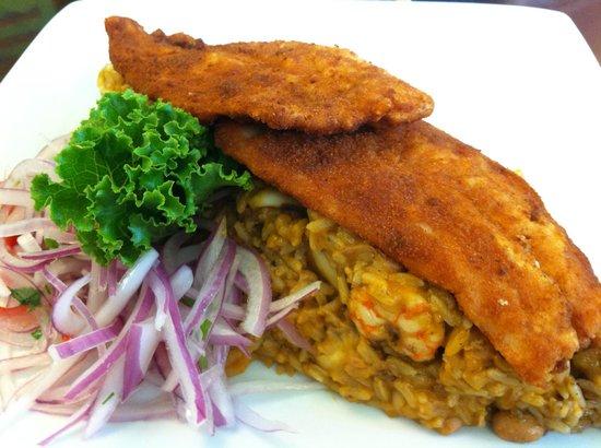 Punto Azul: Tacu Tacu with breaded fish