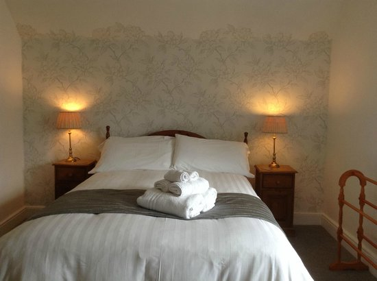 The Durant Arms : Double room with en-suite quadrate shower - Room 3