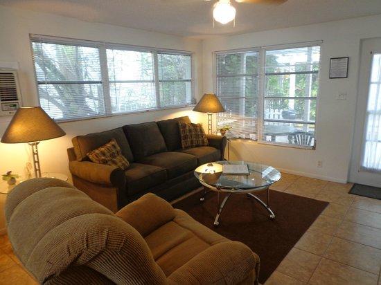 Banyan Tree Resort: Living Room
