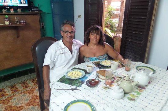 Houses, Alexis and Mary No 1 and No 2: desayuno para juntar fuerzas.