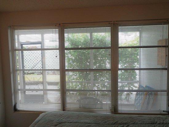 Banyan Tree Resort: Bedroom Windows