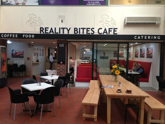 Reality Bites Cafe: Out the front