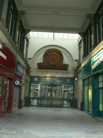 Sandringham Hotel: Public Market near the Hotel