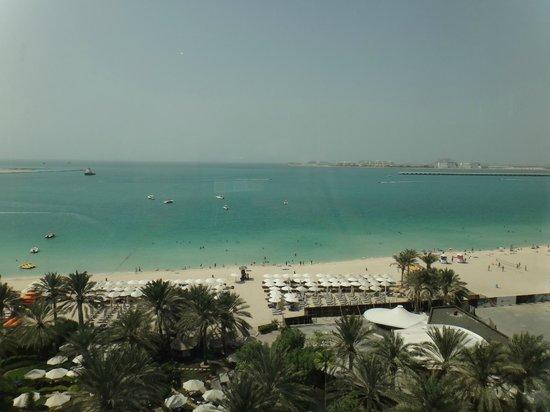 Hilton Dubai Jumeirah Beach : Praia Privativa