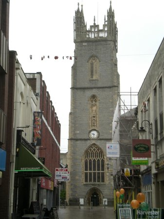 Sandringham Hotel: Church near the Hotel