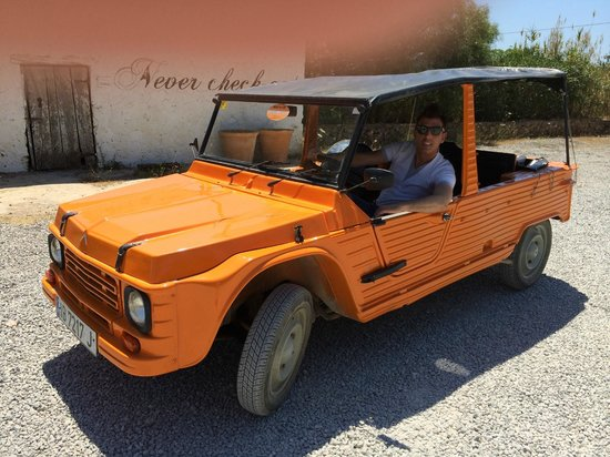 Pikes Ibiza: Citroen Mehari